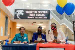 TCNJ partners with Trenton Board of Education for Early College High School Program
